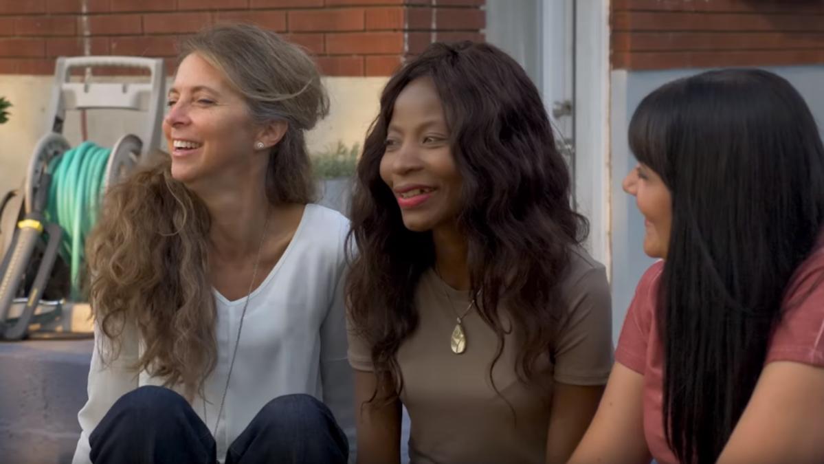 LDS Mormon women making friends with strangers