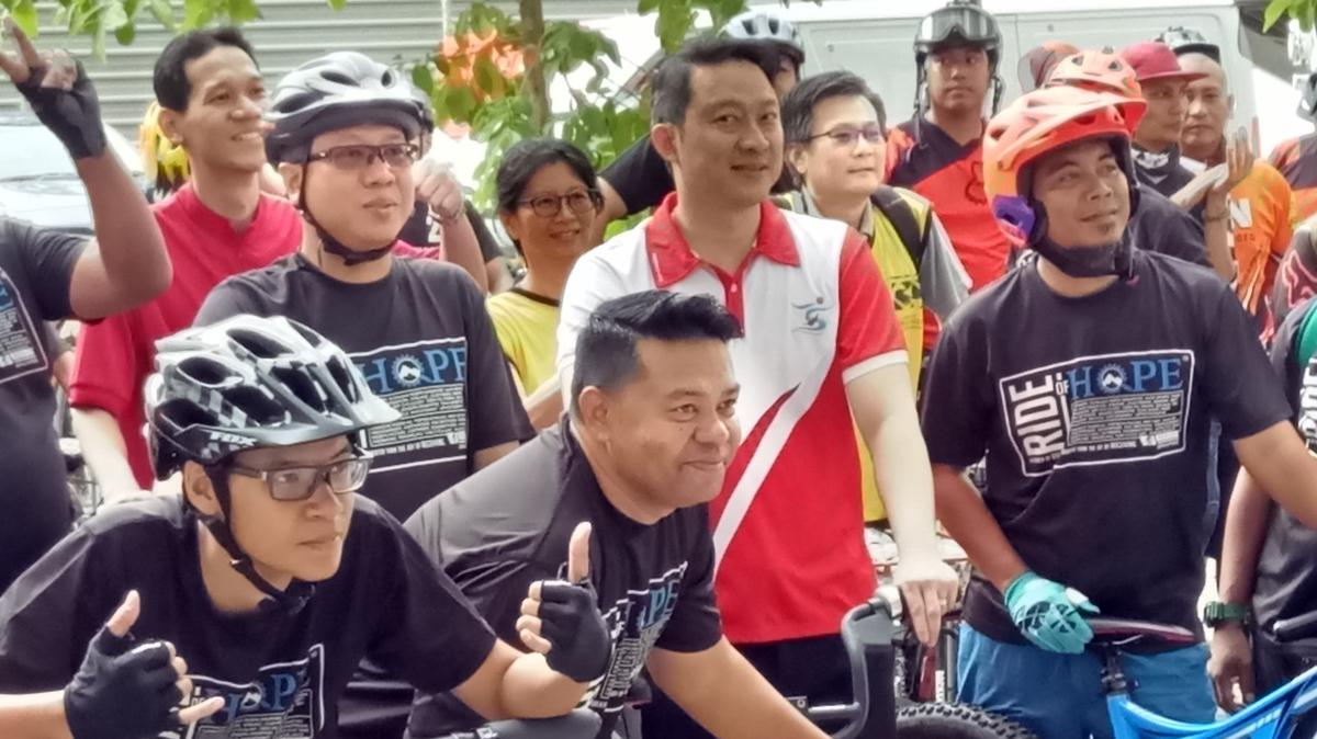 SOS GOH and cycling group