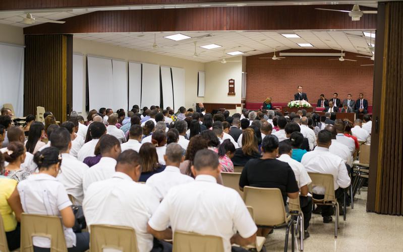 Devocional especial de autosuficiencia en Santo Domingo