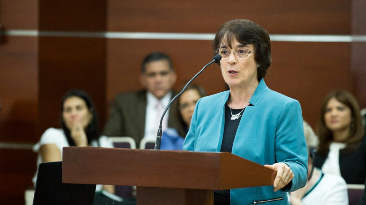 """La hermana Dina Zivic tocó uno de los puntos del discurso del presidente Russell Nelson """"Necesitamos mujeres convertidas que guarden sus convenios""""."""