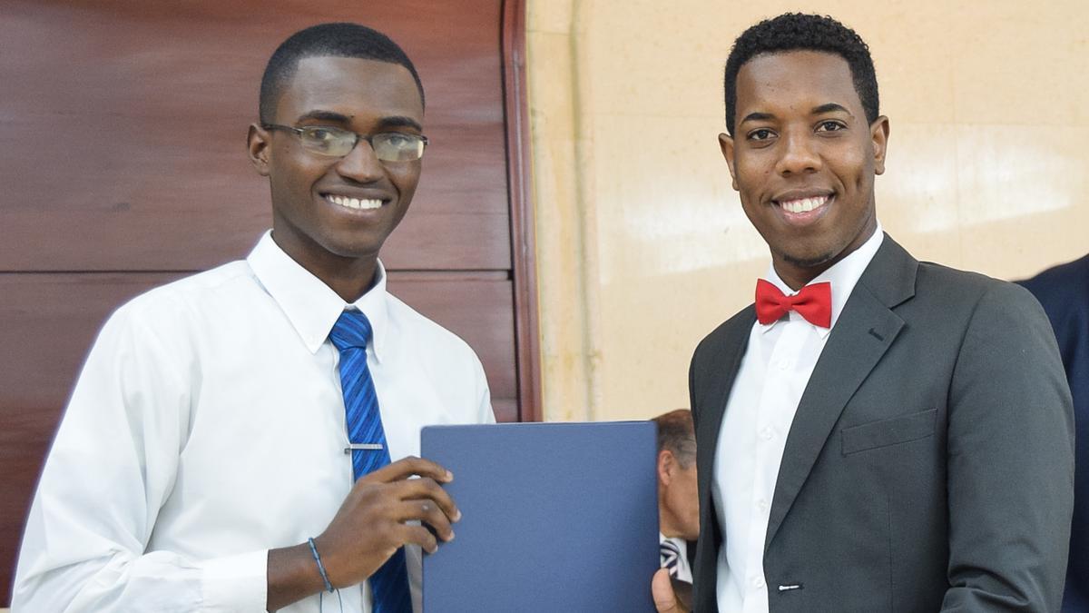Graduación de Instituto Consejo de Coordinación Este 12