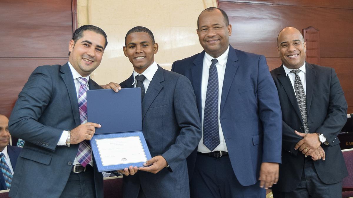Graduación de Instituto Consejo de Coordinación Este 3