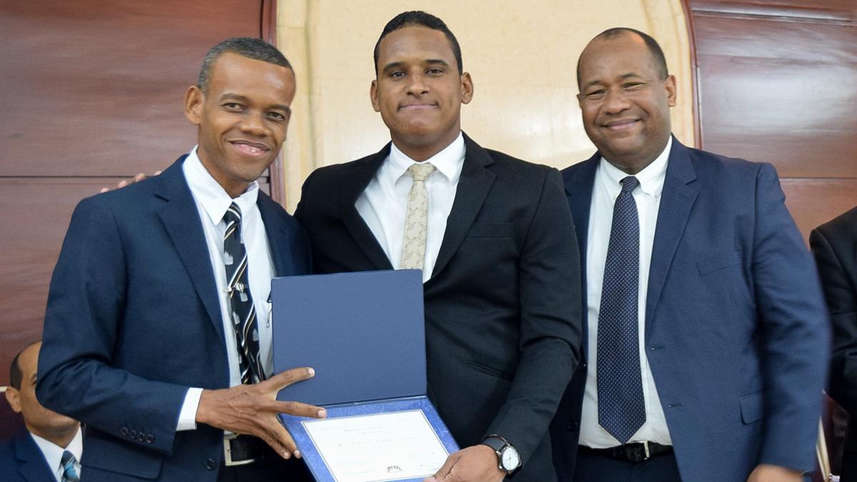 Graduación de Instituto Consejo de Coordinación Este 8