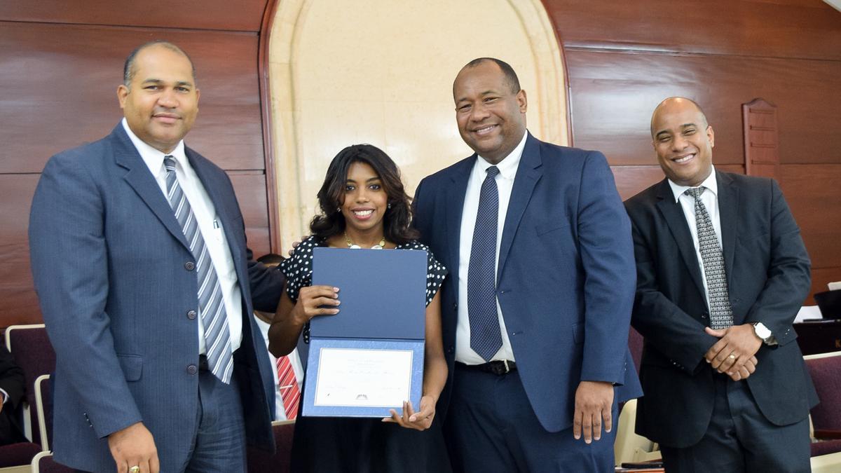 Graduación de Instituto Consejo de Coordinación Este 2