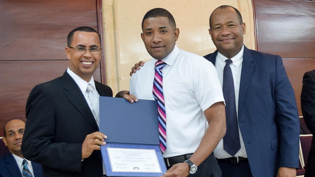 Graduación de Instituto Consejo de Coordinación Este 9