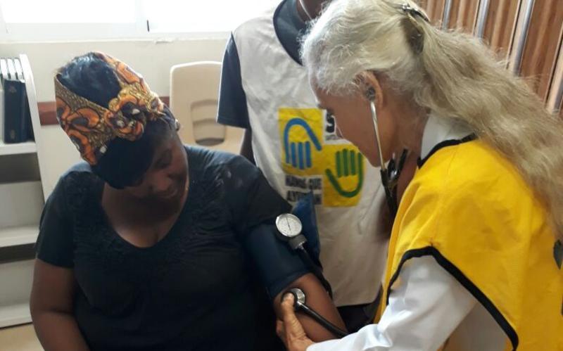 Realizan operativo médico en favor de habitantes en La Victoria