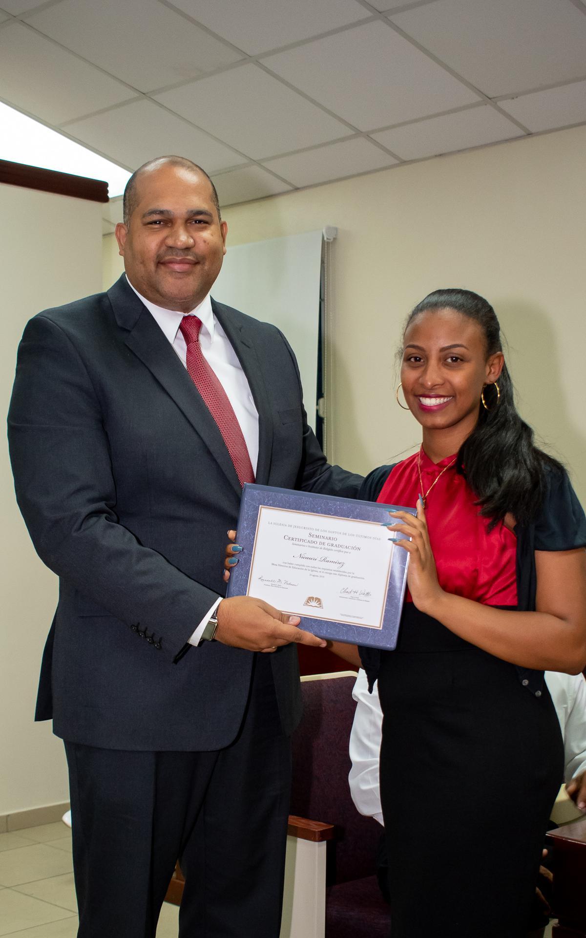 /acp/bc/Caribe Area/Caribe Area/Jovenes/Graduación Estaca Oriental/LYR_1083.jpg