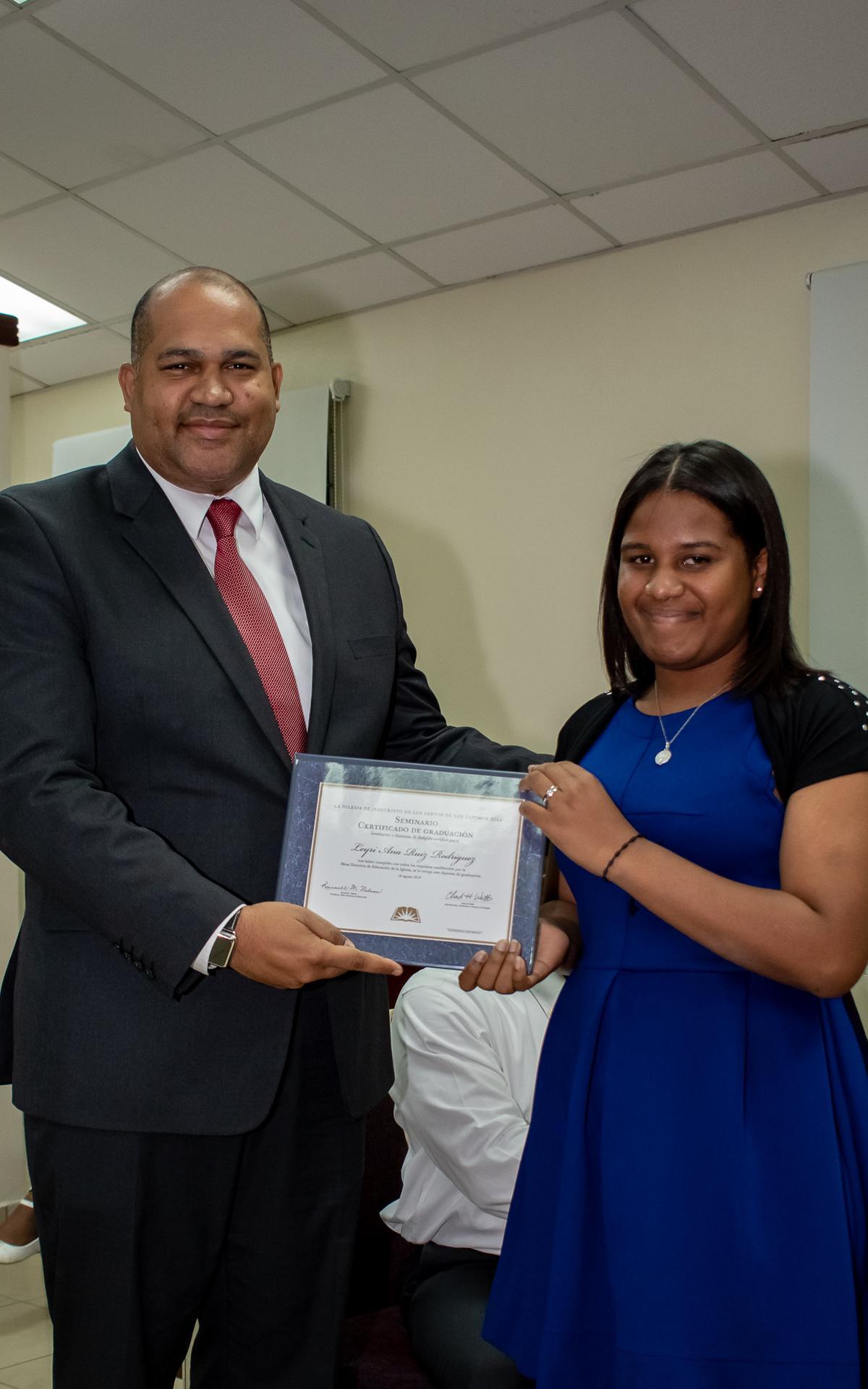 /acp/bc/Caribe Area/Caribe Area/Jovenes/Graduación Estaca Oriental/LYR_1088.jpg