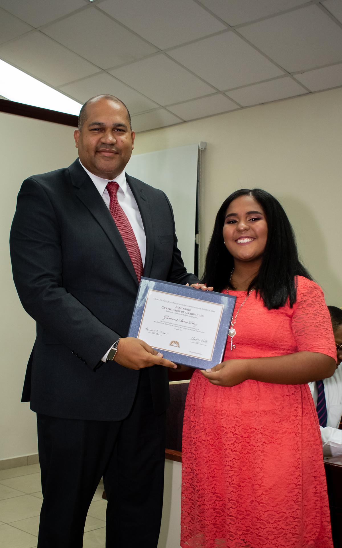 /acp/bc/Caribe Area/Caribe Area/Jovenes/Graduación Estaca Oriental/LYR_1092.jpg