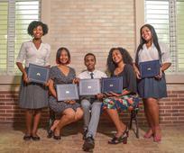 Estaca Los Alcarrizos lleva a cabo su graduación de Seminario del 2018