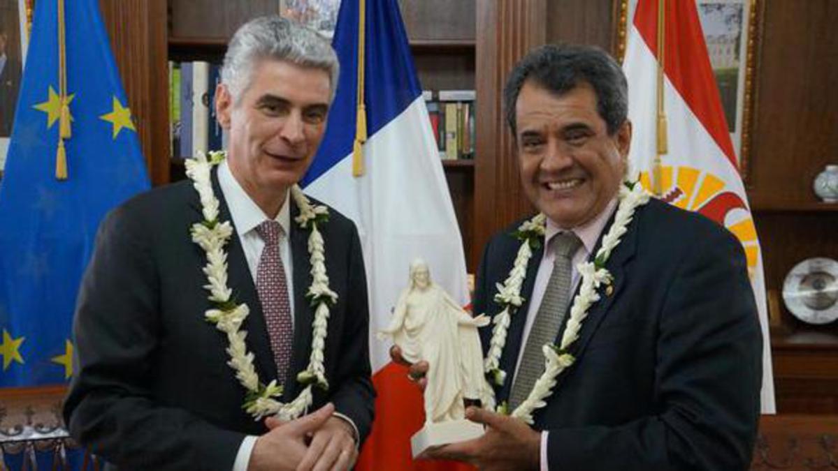 Bisschop Gérald Caussé ontmoet Frans-Polynesische president