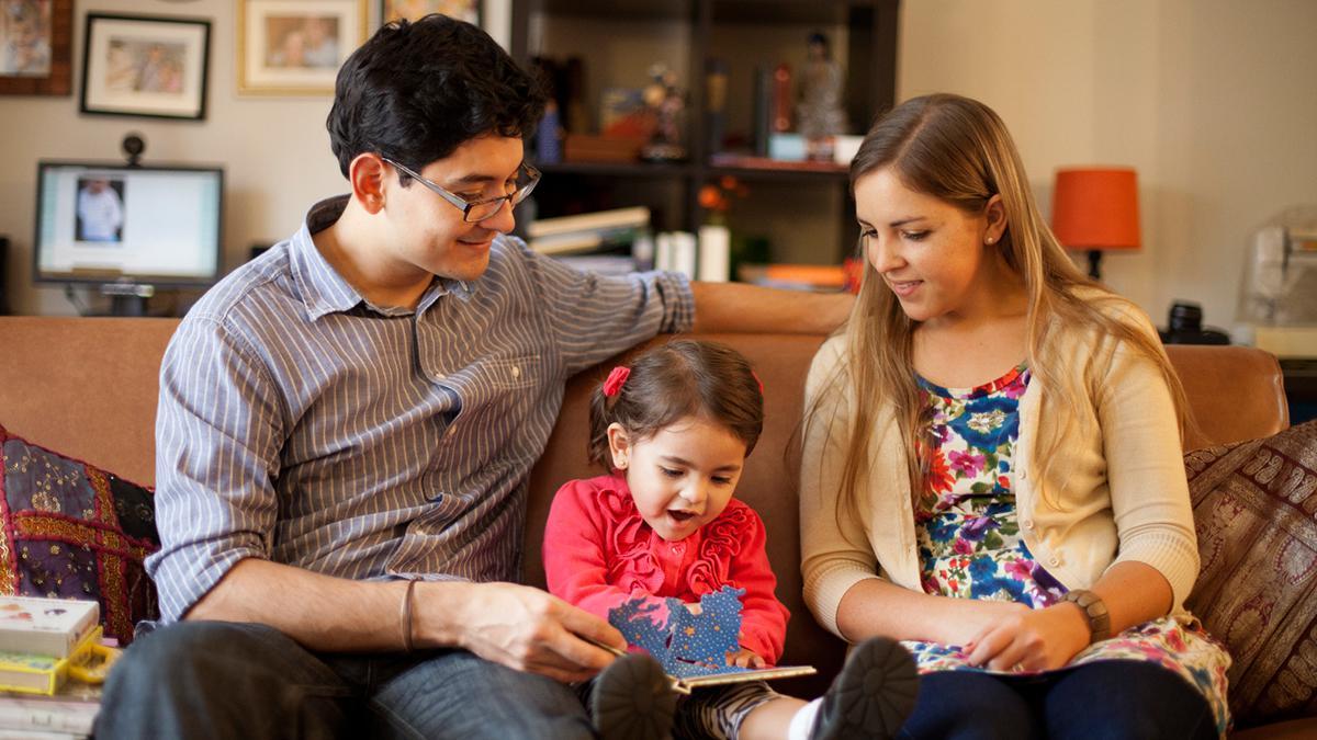 Il presidente Dallin H. Oaks spiega come possiamo avere una famiglia felice mettendo in atto i principi descritti nella dichiarazione della Chiesa: La famiglia – Un proclama al mondo.