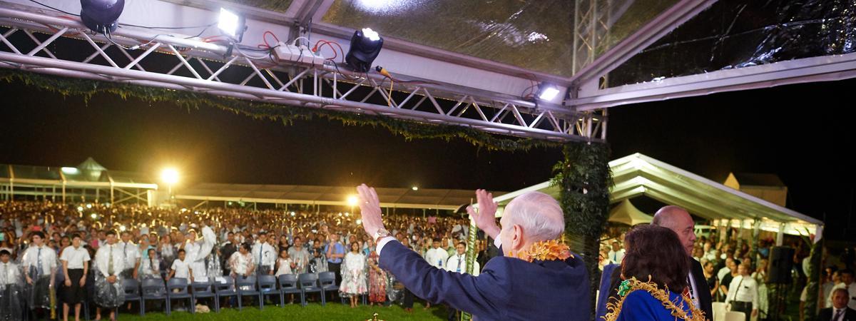 President Nelson and Sister Nelson in Samoa