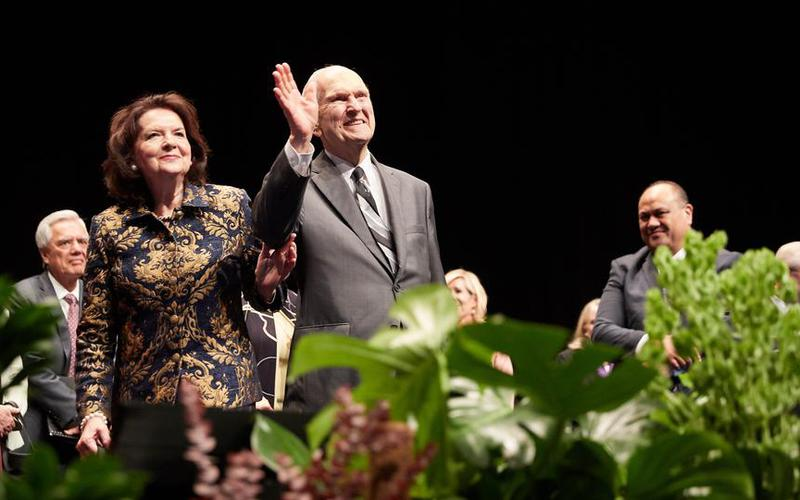 President Russell M. Nelson and Sister Wendy Nelson in Australia