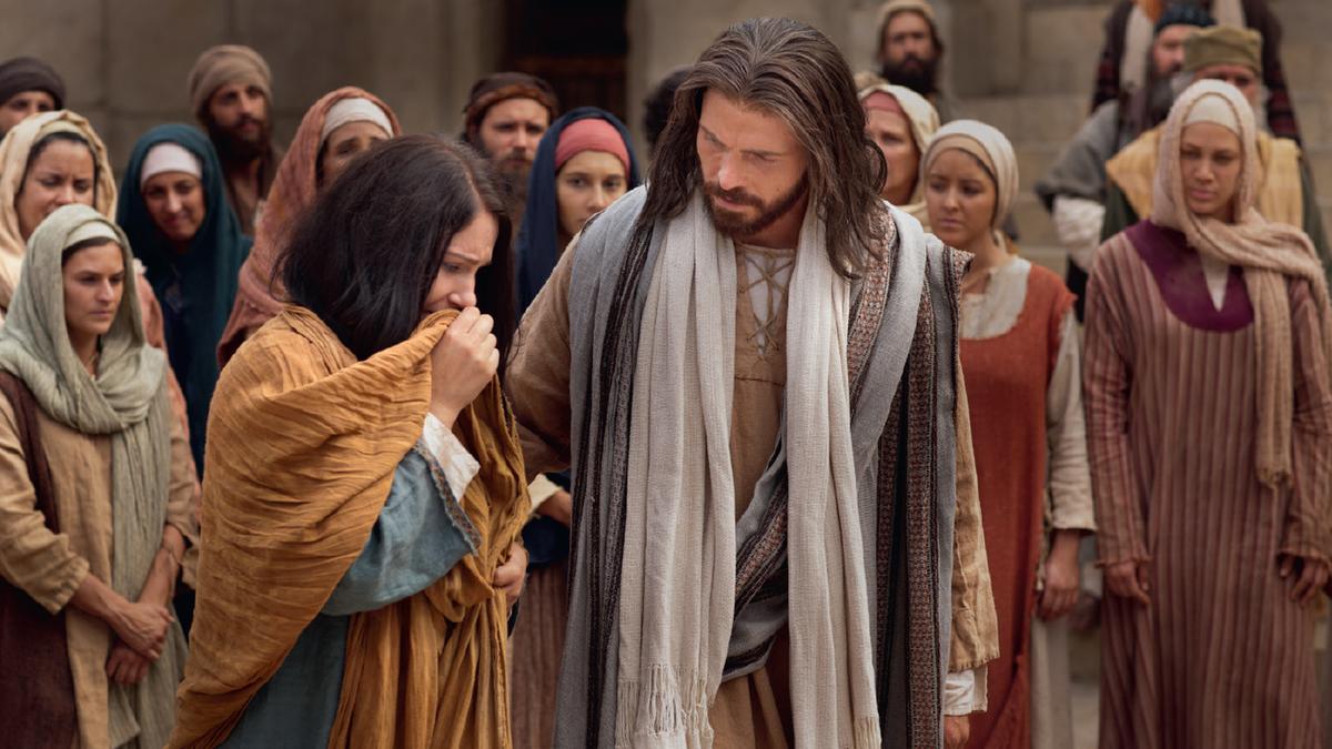 Jesus Christ ministering.