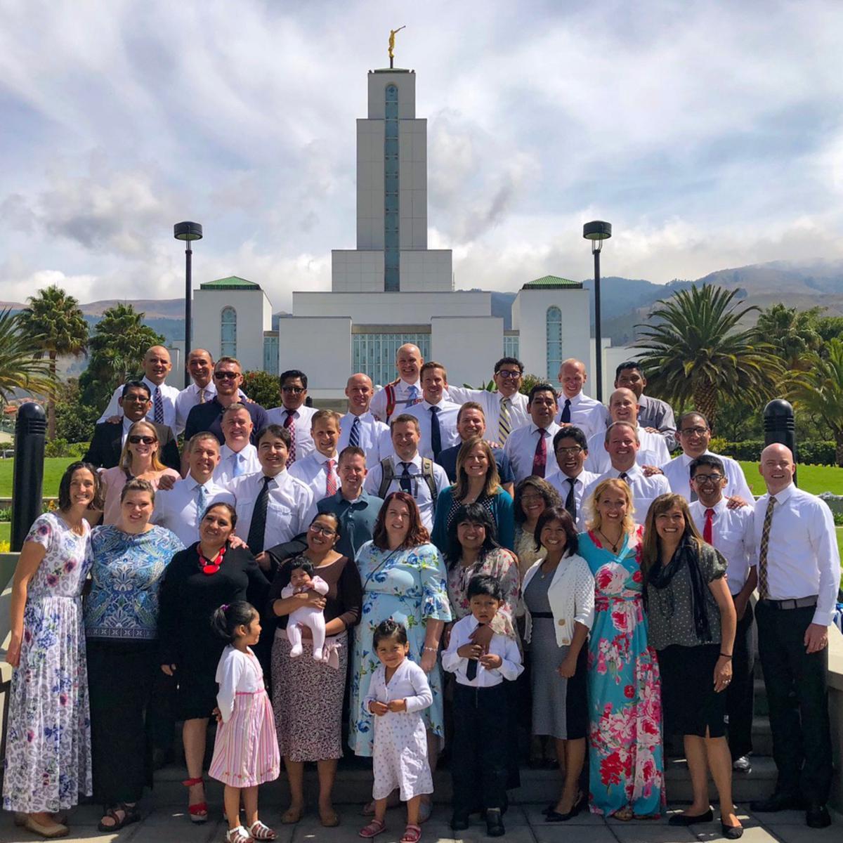 algunos de grupo templo cochabamba