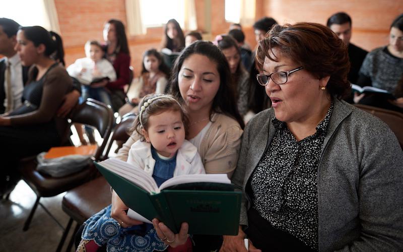 Brindar sugerencias y Envío original de música para el himnario y libro Canciones para los niños
