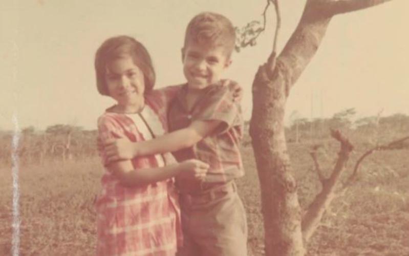 Hermana Aburto y su hermano