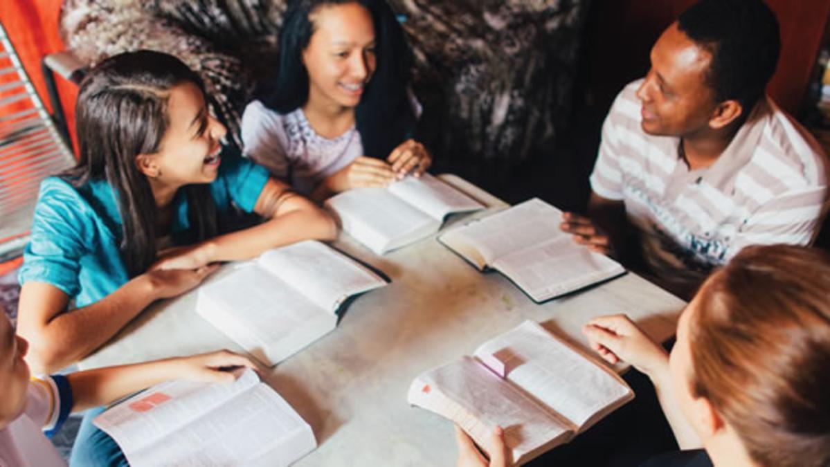 П'ять способів перетворити сімейне вивчення Писань на звичку