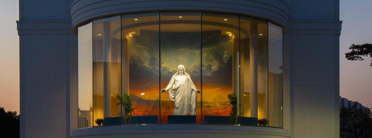 Réplica do Christus, original de Bertel Thorvaldsen, integra centro de visitantes em SP