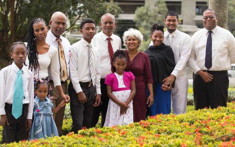 Port-of-Spain Trinidad Stake members visited the temple