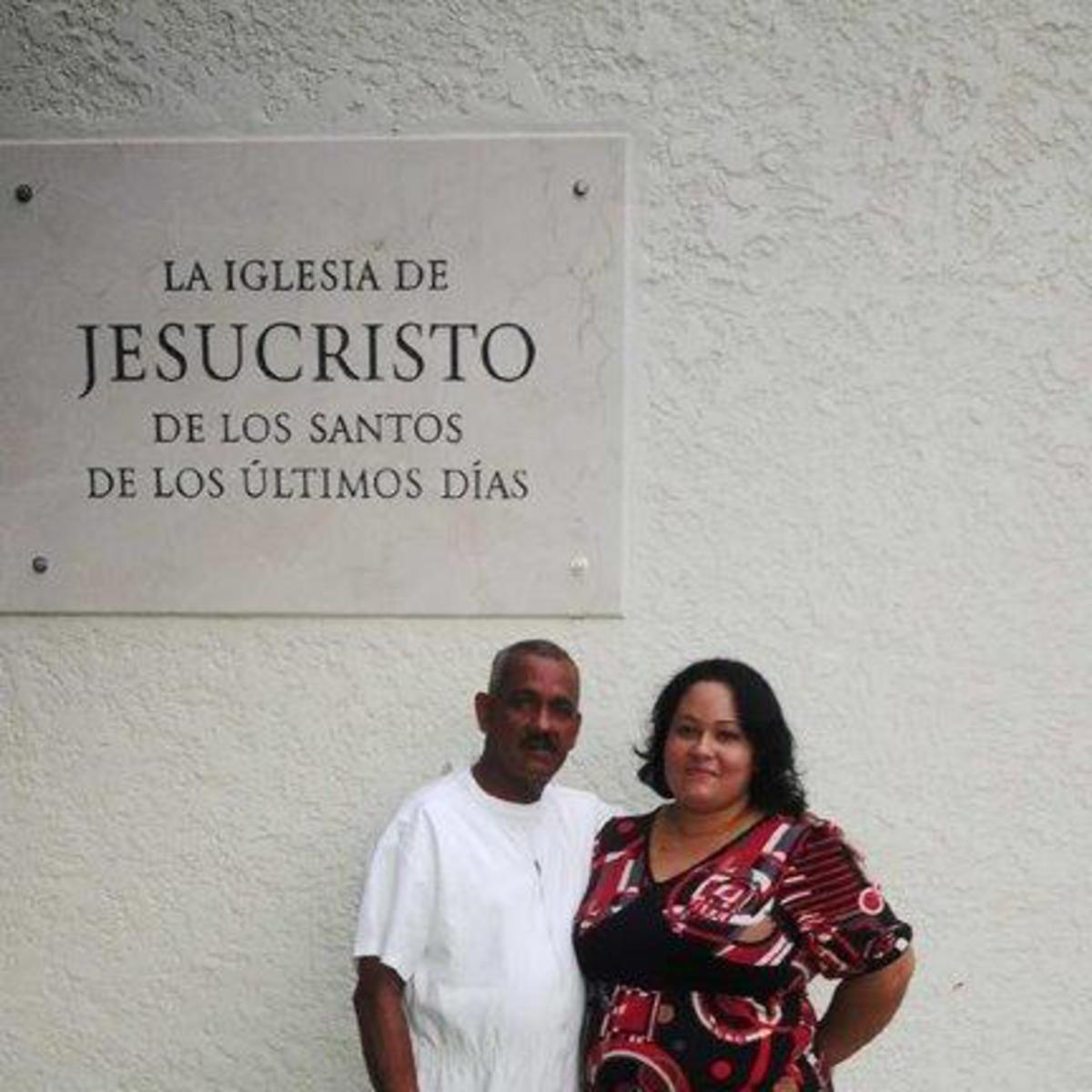 La hermana Carla el dia del baustimo de su esposo el hermano Jorge Ernesto Leguen Varona.jpg