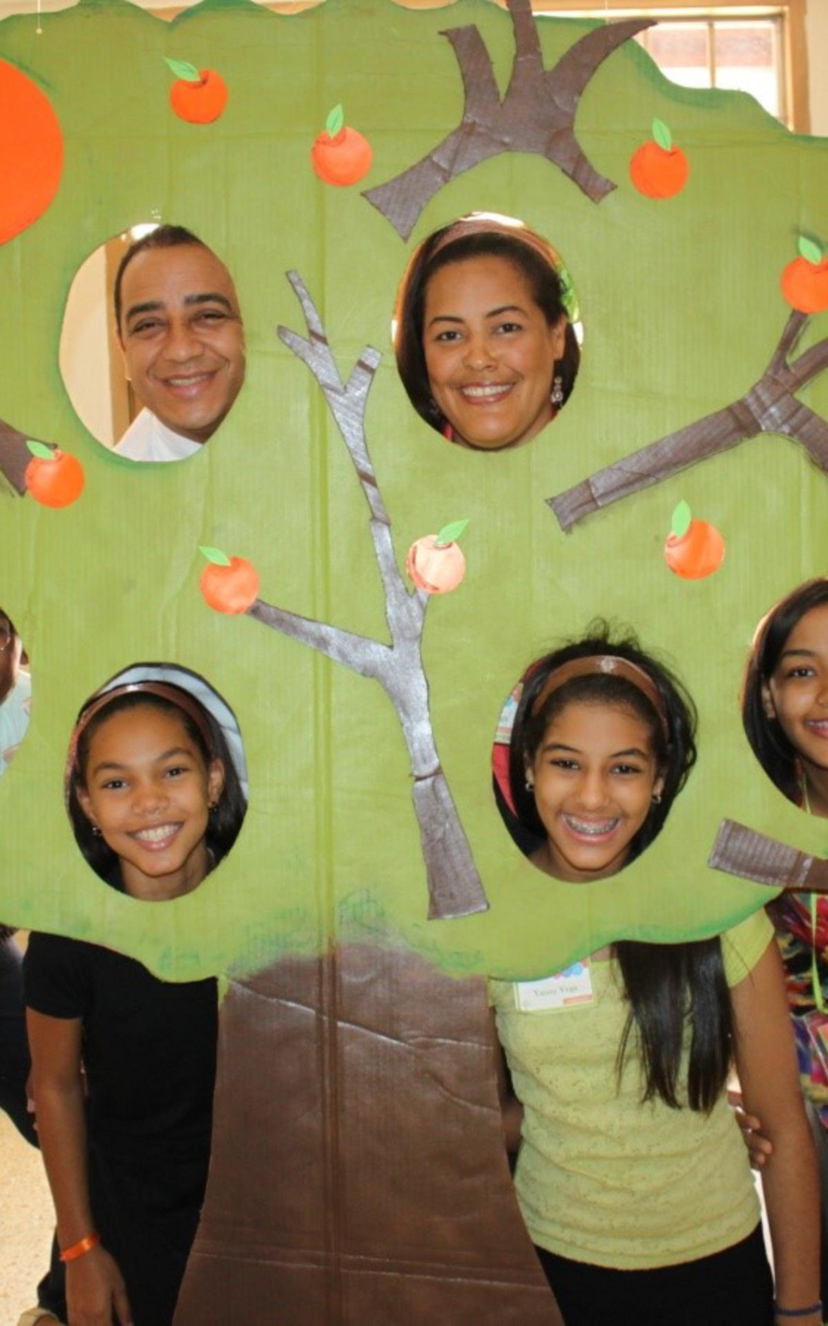 familia Vega felices.jpg