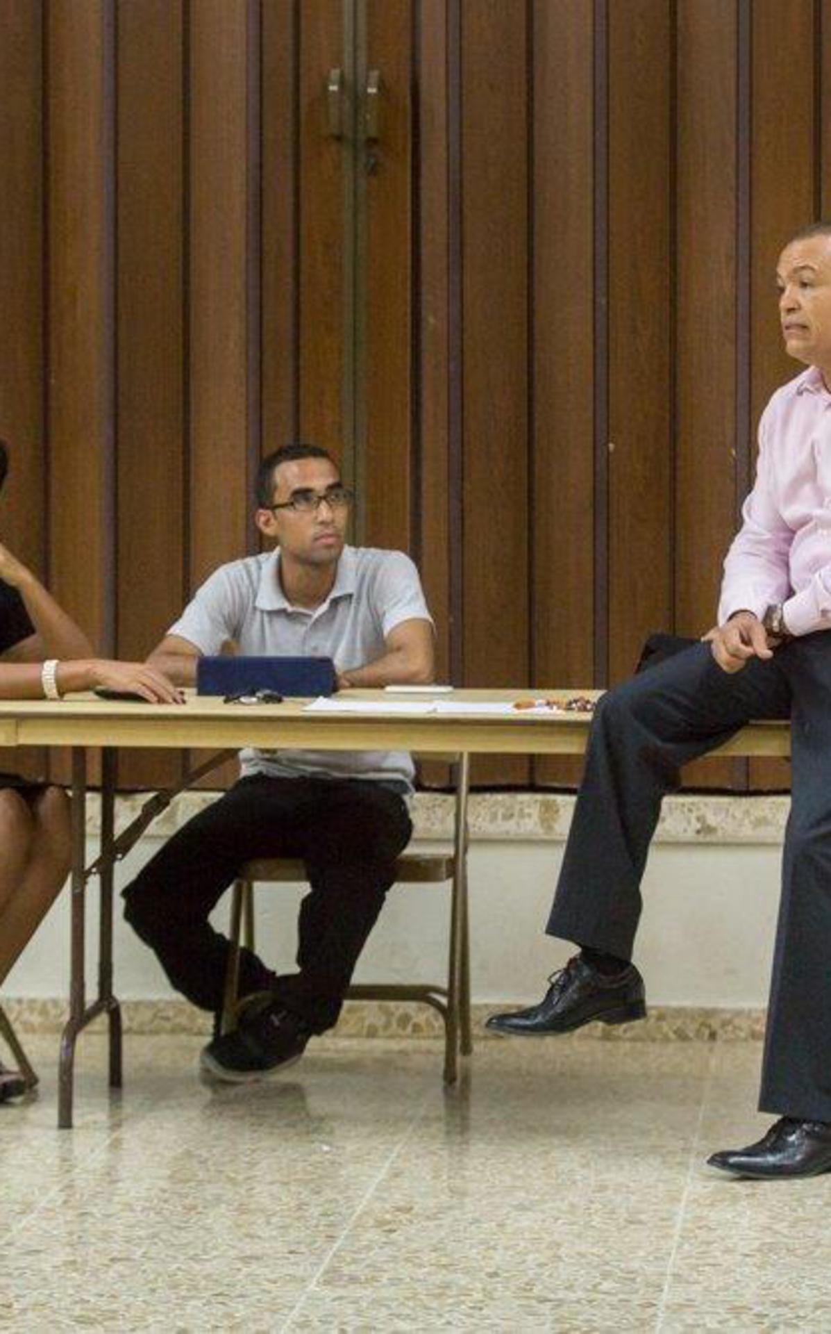 Los hermanos Reynaldo y Afrodita pareja facilitadora del taller.jpg