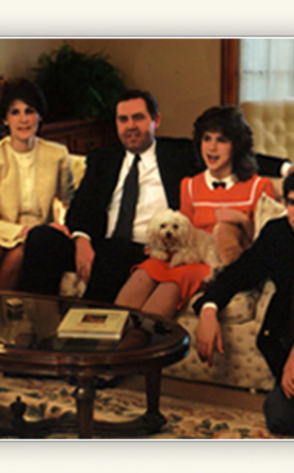 holland-family-biography385x307.jpg