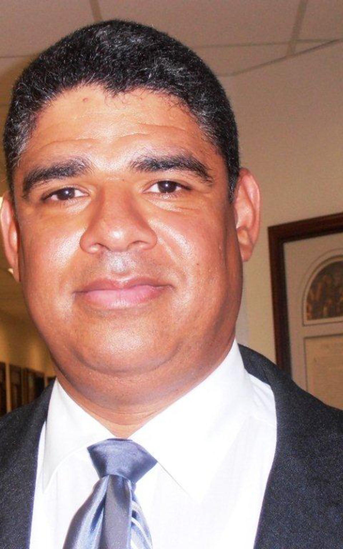 El presidente Marcos Bretón, director del Instituto de Religión para Santiago y la región y Presidente de la Estaca Santiago Este.jpg