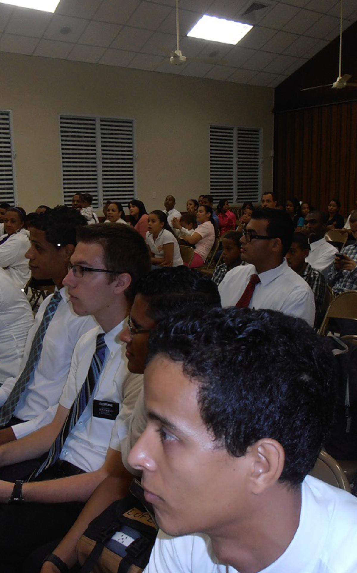 Parte del Público presente.jpg