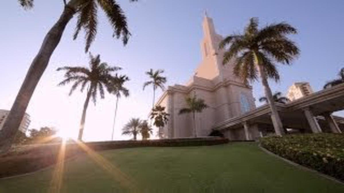 El Santo Templo - Un Faro para el Mundo