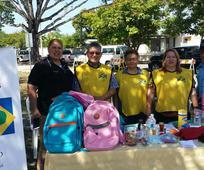 Izquierda a derecha Agente Santiago, miembro del Precinto Fullana, Hnos. Lynn y Gardel Torres, Barrio Ponce , Hna. Anita Puig, Directora de Asuntos Publicos en Ponce y Agente.jpg