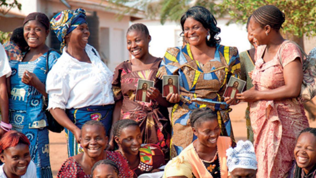 La organización de la Sociedad de Socorro celebra 172 años de su fundación