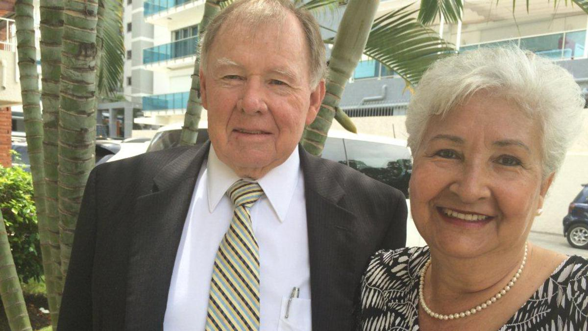 Elder y Hermana Nielson