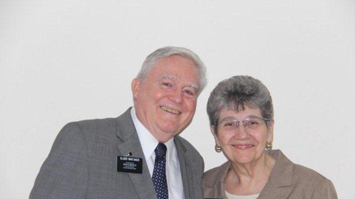 Elder Sheldon y Hermana Karren Whitaker
