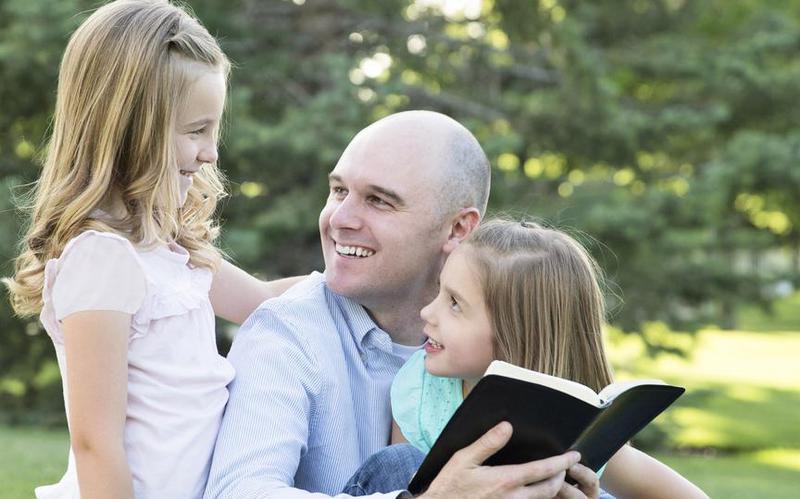 Церковь объявляет о новом балансе между обучением Евангелию в семье и в Церкви