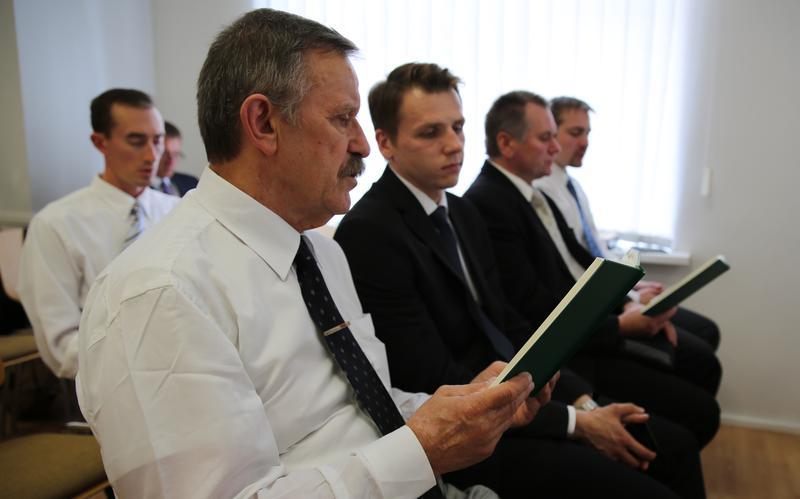 Встретиться с представителями Церкви