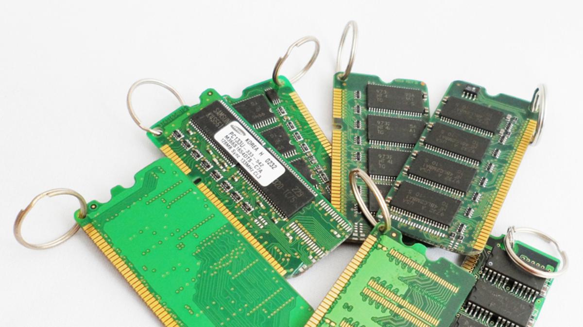 Turning Electronic Waste Into Art