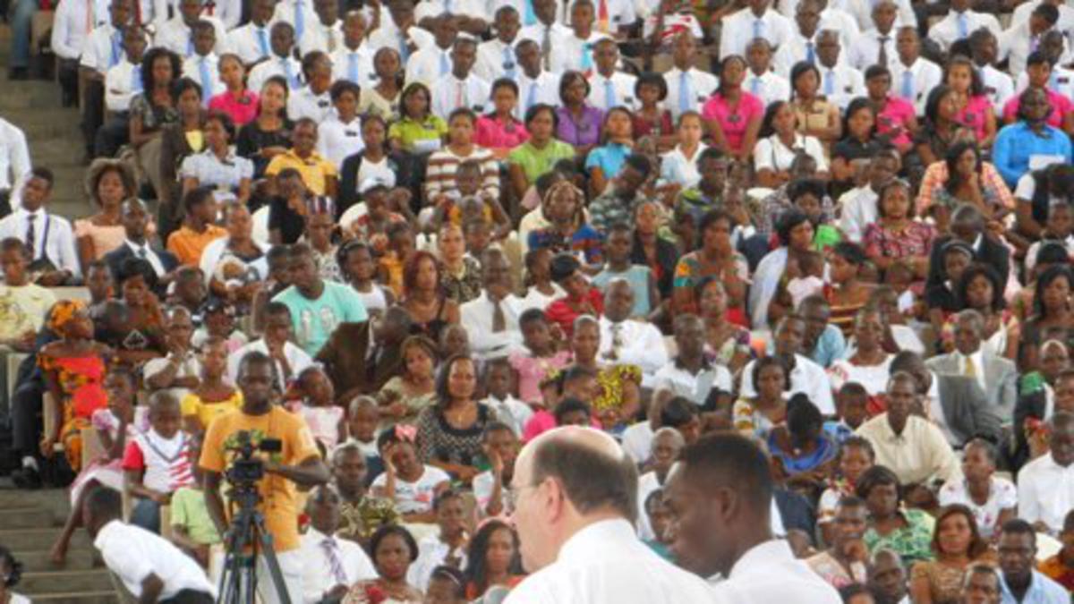 Le Royaume de Dieu Roule en Afrique de L'Ouest
