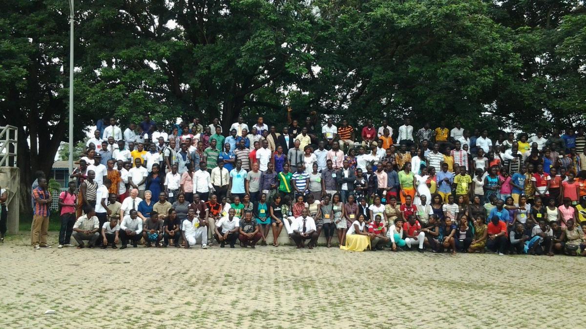 Le Sommet de la Région de Kumasi Fortifie les Jeunes Adultes Seuls