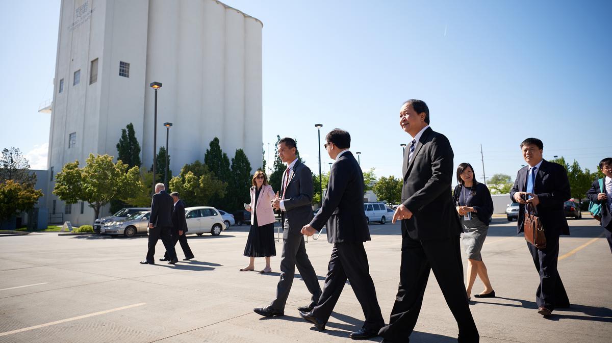 Phái đoàn từ Ban Tôn Giáo Chính Phủ Việt Nam tham quan Khuôn Viên An Sinh ở Salt Lake City ngày 4 tháng Sáu năm 2019.