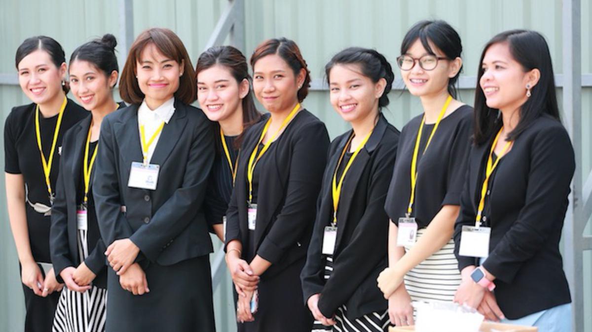 Сүмийн удирдагчид Бангкок ариун сүмийн шавыг тавив