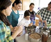 family-canning-food-kitchen_1284401_inl.jpg
