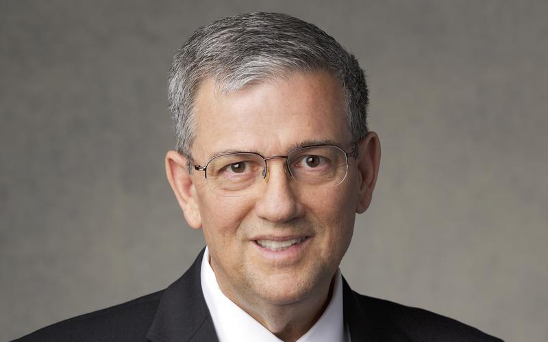 Penatua David F. Evans dari Tujuh Puluh
