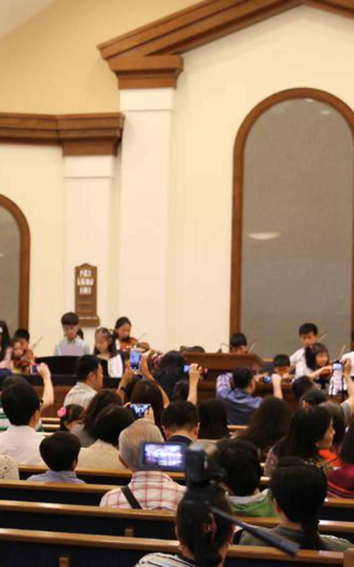 e0426-concert-02.jpg
