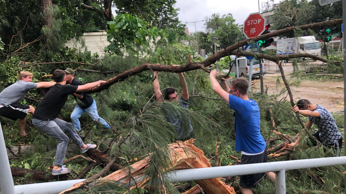 颱風山竹: 傳教士在全港提供服務 1