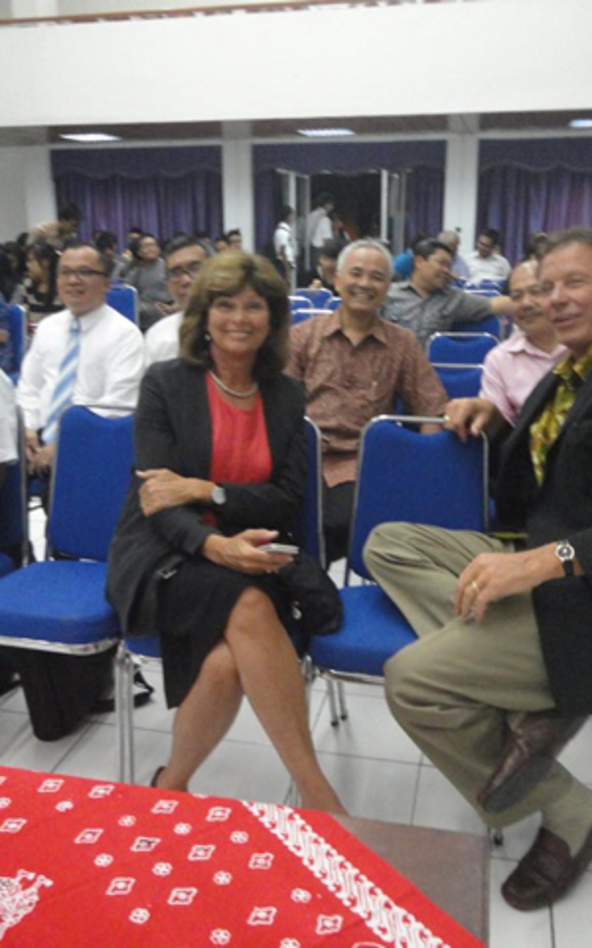 Brother & Sis Eyre bersama para peserta seminar