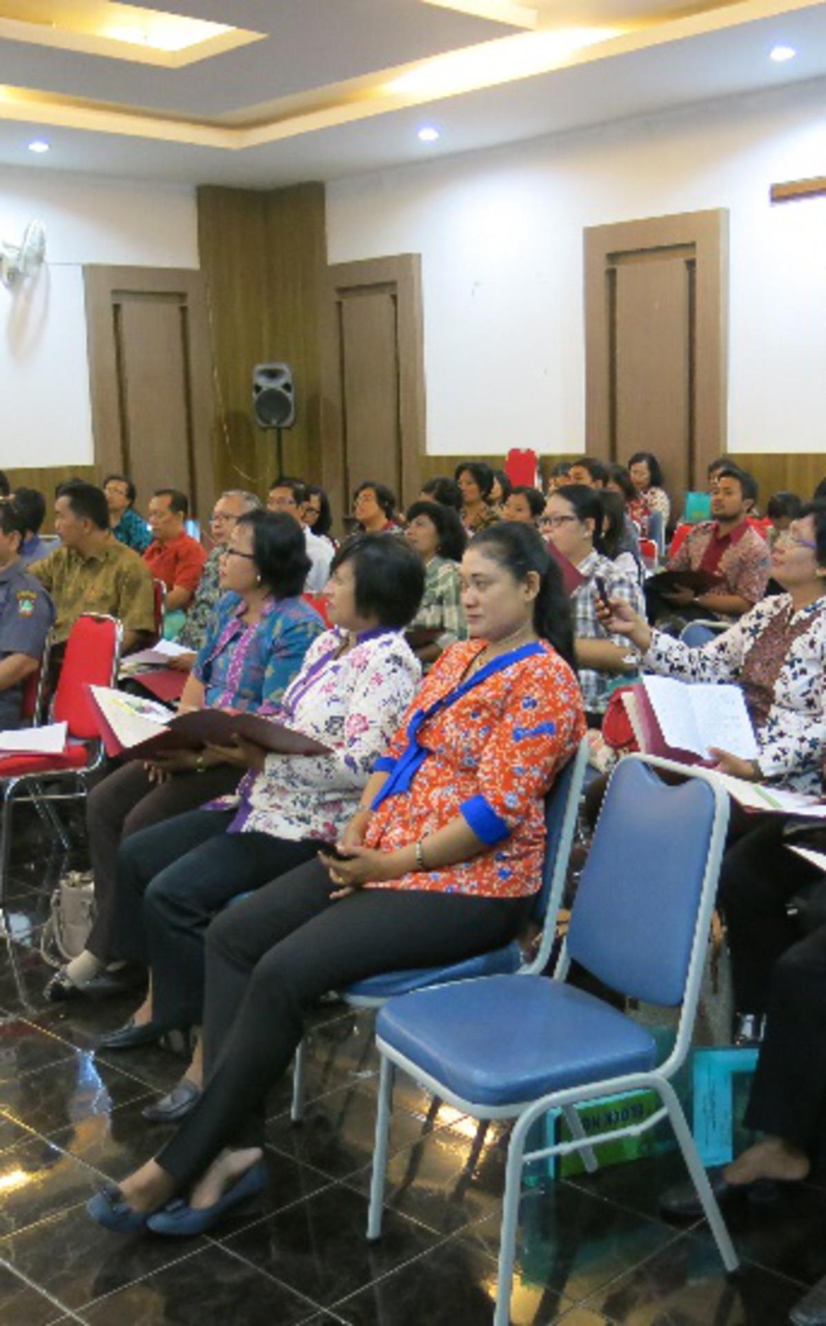 SeminarAttendees1.jpg