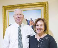 Elder dan Sister Mitchell